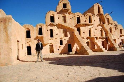 Visitar lugares sacados de una pelicula. Tattaouine, en Tunez, donde se filmo parte de Star Wars.