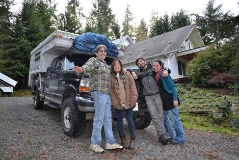 Patrick y Vonnie, de Oregon USA, nos donaron mucho aceite incluso ya filtrado!! Nos llenaron el tanque y varios bidones! Eternamente agradecidos!!!