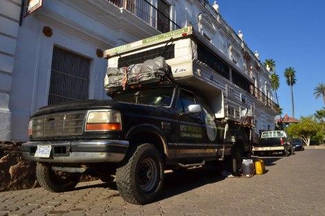 Cargando aceite para continuar al siguiente destino!