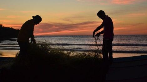 Pescadores al atardecer