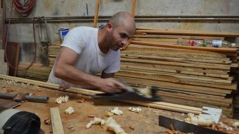 Manuel es carpintero y nos hizo la barra para nuestra sombra :)