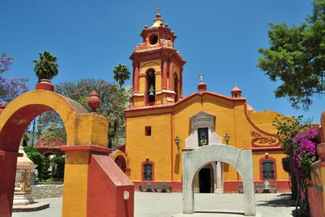 Iglesia de Bernal