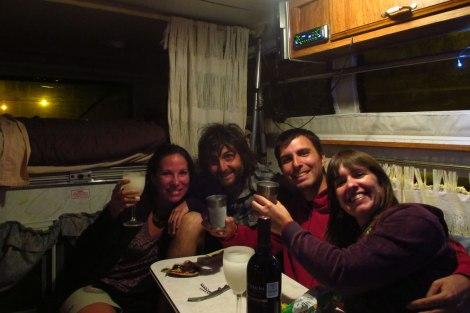 Celebrando el cumple de Maru en nuestro hogar móvil :)