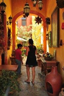 Tiendas coloniales en el centro histórico de Querétaro
