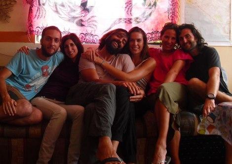 Sergio y Saray a la izquierda; Cristián y Claudia al centro y nosotros a la derecha.