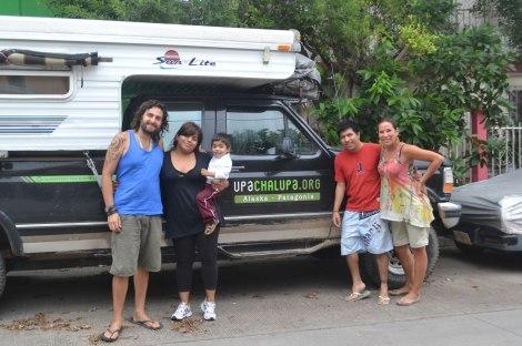Mario, Brenda y Diguito, quienes nos recibieron muy cariñosamente en Tuxtla Gutiérrez
