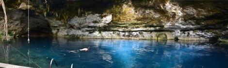 Cenote Yaxchilán