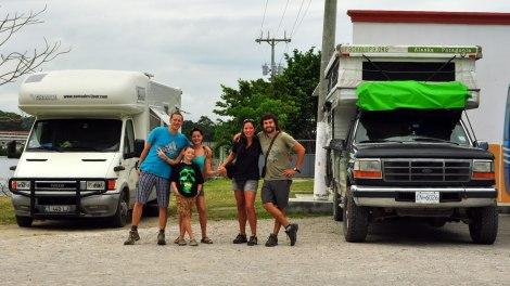 Conocimos a esta familia de Francia que estaba acampando a nuestro lado.