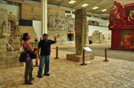 En el Museo de las Esculturas, Ruinas de Copán