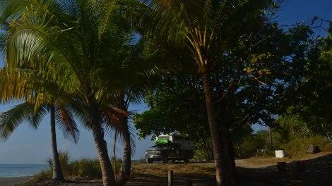 Camping al sur de Montezuma, frente al Río Don Miguelón