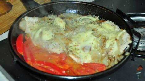 Cancato! Pescado, tomate, queso, cebolla... una delicia!