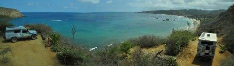 Vista hacia Puerto López desde el Camping en Salango.
